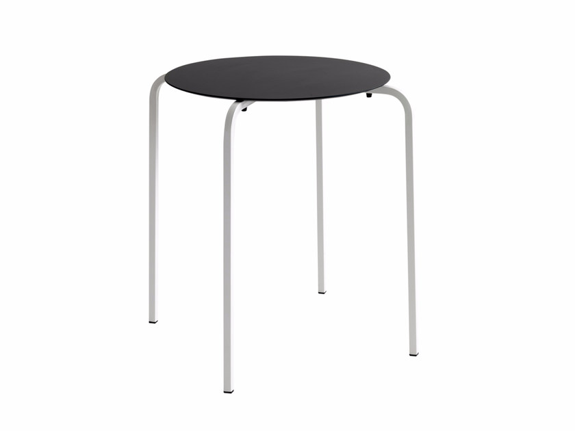 Stackable round table NX 519 by Metalmobil
