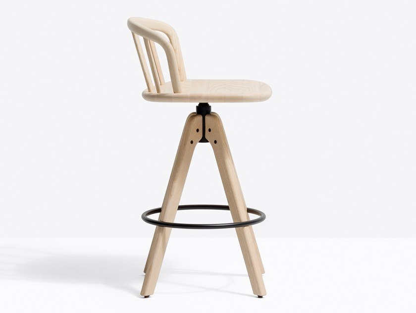 Trestle-based wooden stool with footrest NYM 2848 by PEDRALI
