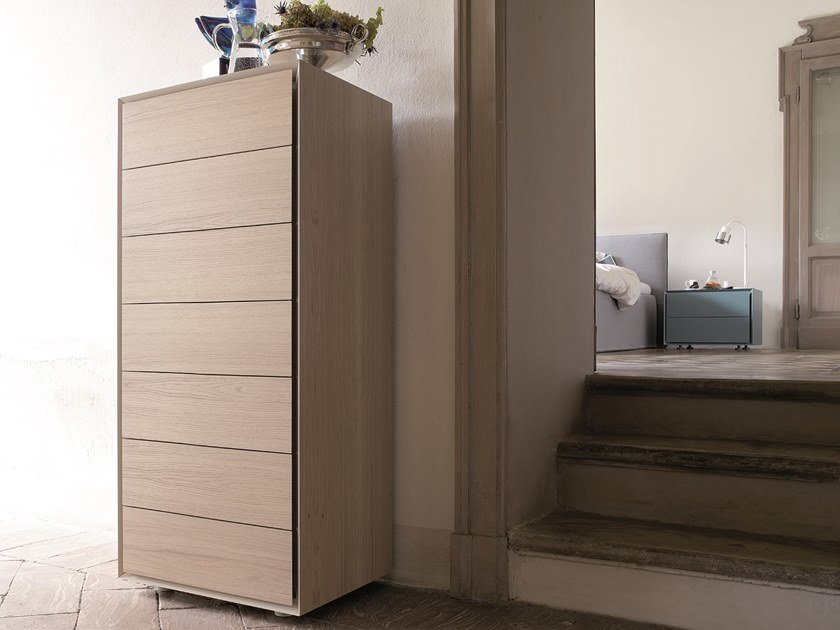Chest of drawers with integrated handles QUARANTACINQUE | Oak chest of drawers by Capo d'Opera