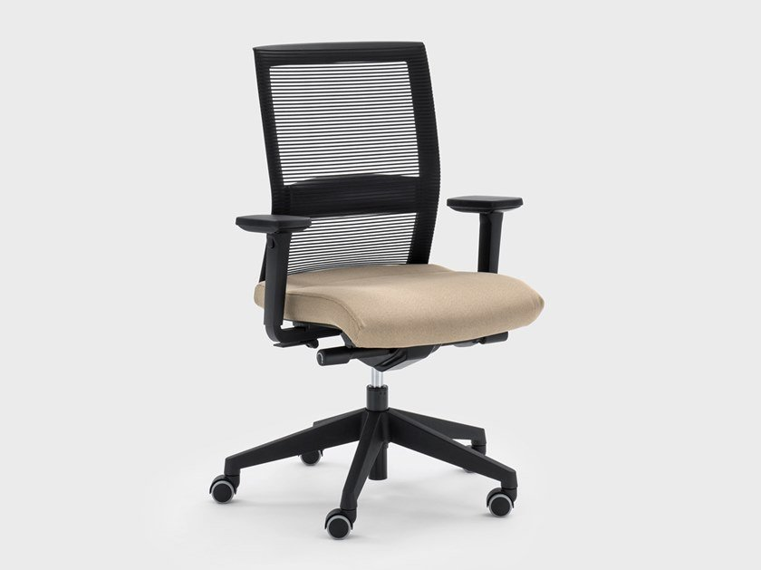 Height-adjustable fabric office chair with armrests WINNER | Office chair by Viganò