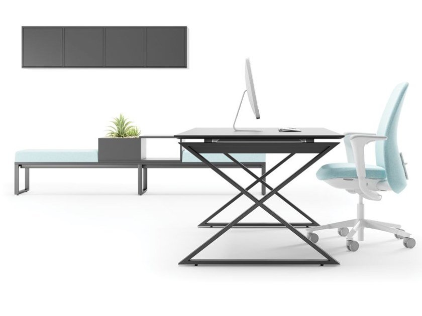 Rectangular office desk PLURIS | Office desk by FURNIKO