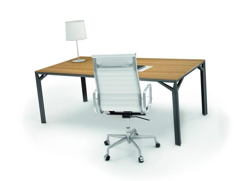 Executive desk X8 | Office desk by Quadrifoglio