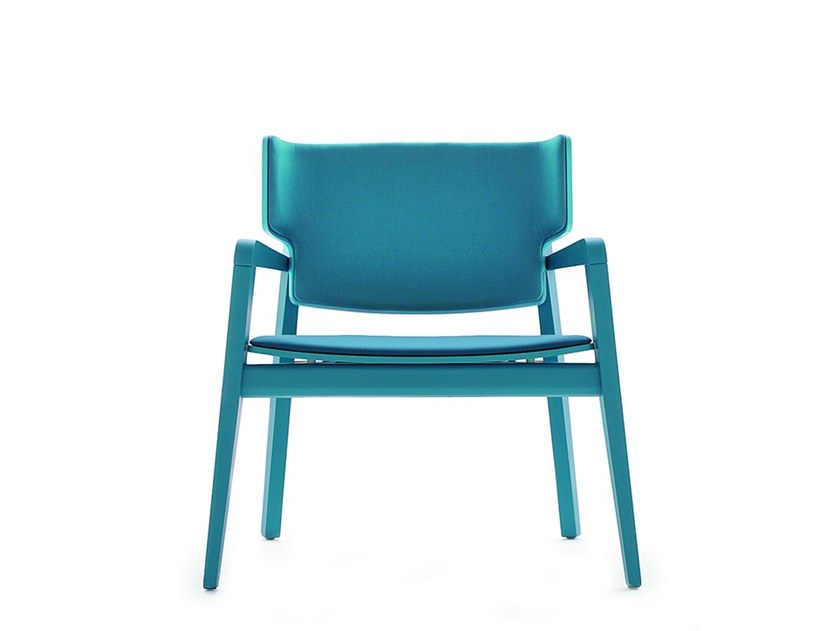Easy chair with armrests OFFSET 02843 by Montbel