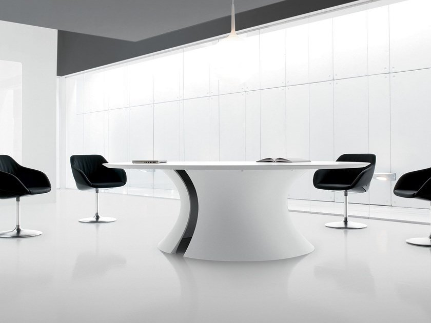 Lacquered round meeting table OLA | Lacquered meeting table by Martex