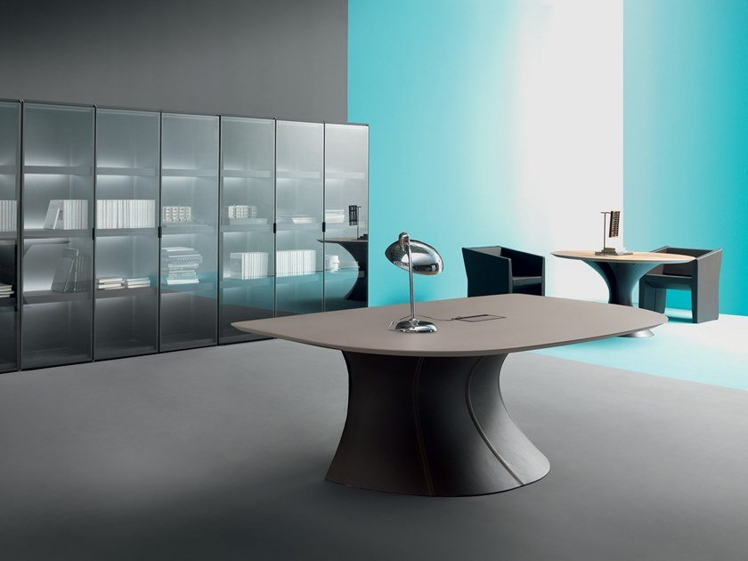Lacquered executive desk OLA | Office desk by Martex