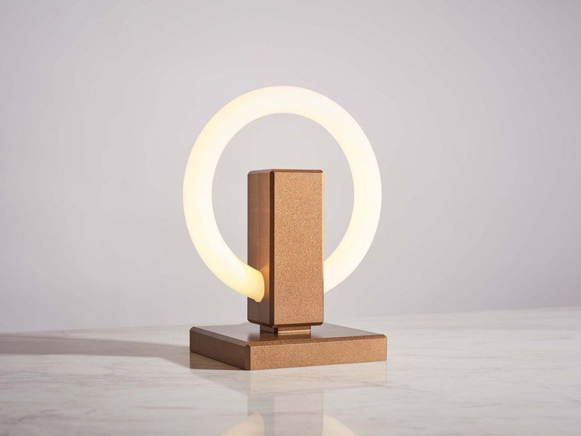 Aluminium table lamp OLAH | Table lamp by Karice