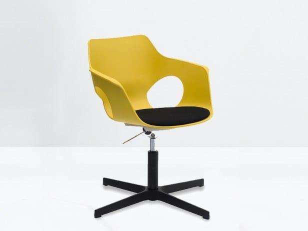 Polypropylene chair with 4-spoke base with armrests OLÈ 10-G by delaoliva