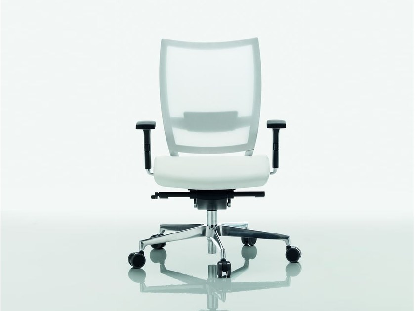Mesh task chair with 5-Spoke base OMBRA | Mesh task chair by Quadrifoglio