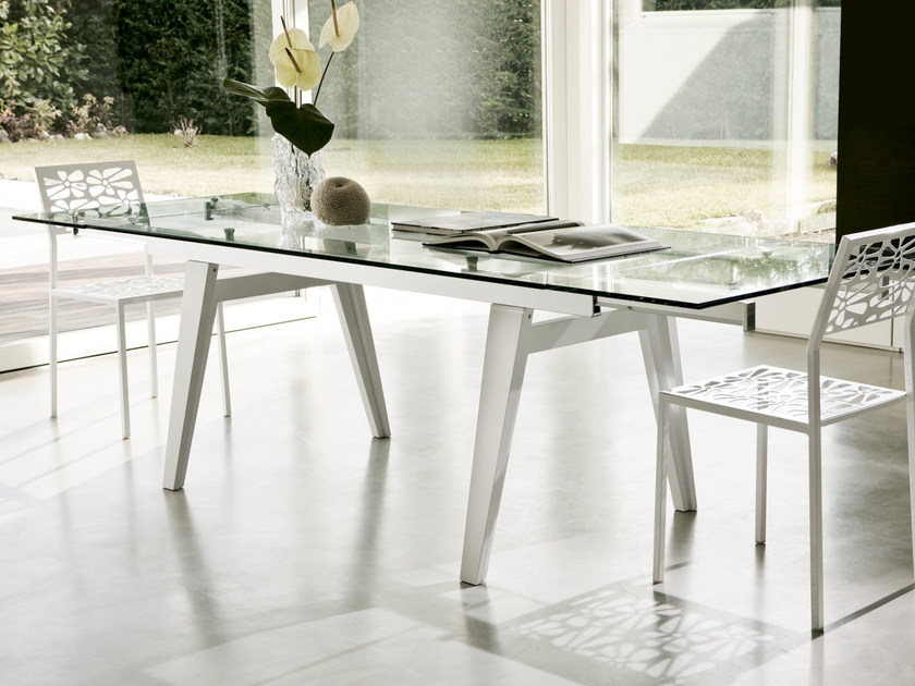 Extending wood and glass table OMEGA by Pacini & Cappellini