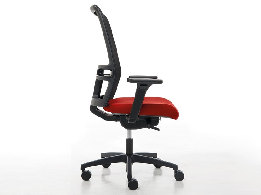 Task chair with 5-Spoke base with castors OMNIA | Task chair by Linea Fabbrica