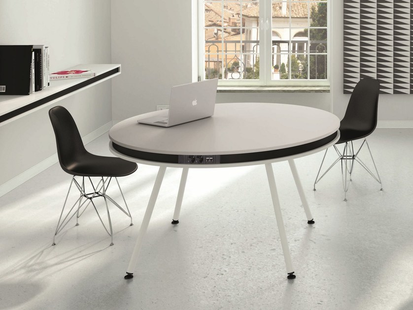 Round meeting table ON | Meeting table by NEWTOM by Ultom