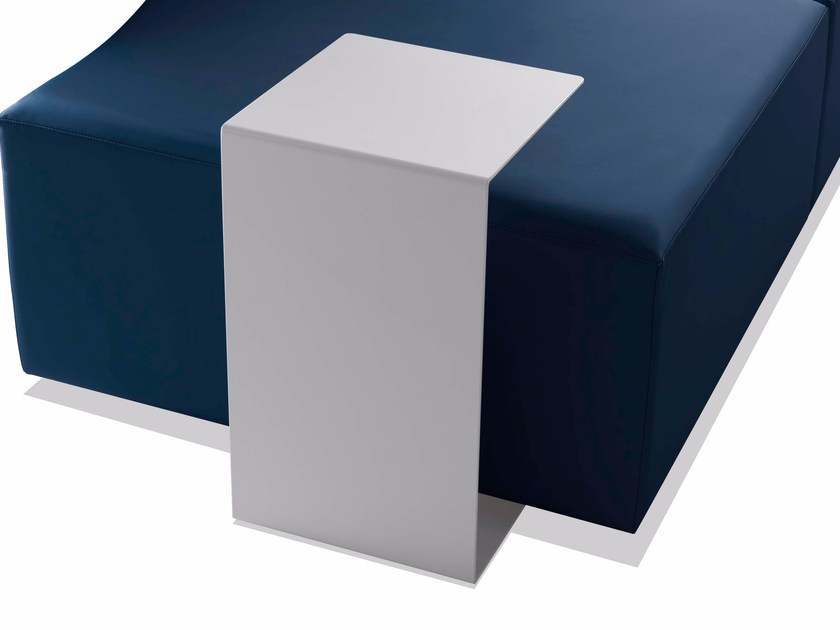Plate side table ONDA | Side table by Sedex