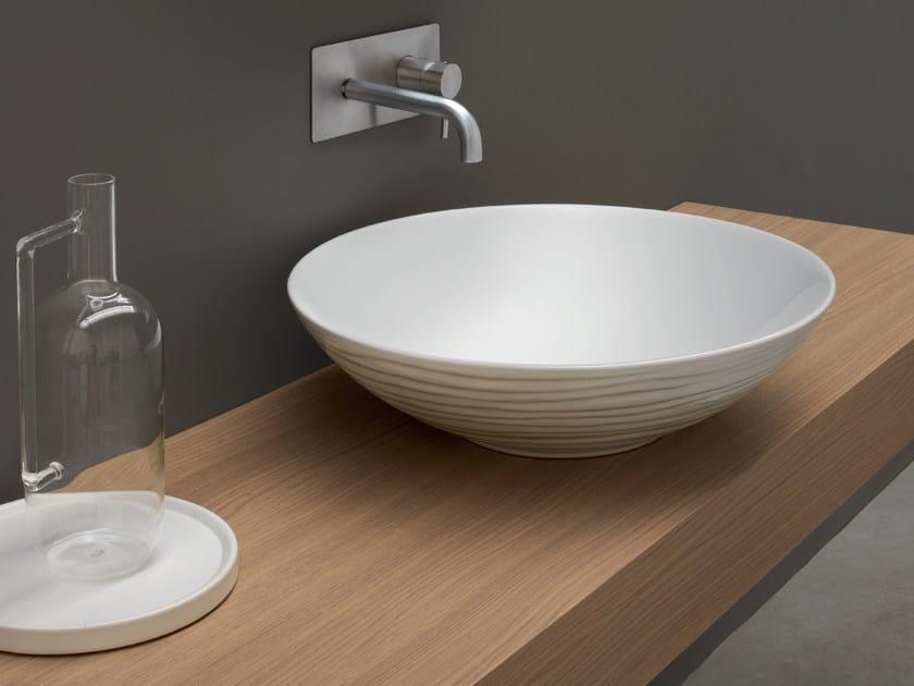 Countertop round ceramic washbasin ONDE by Nic Design