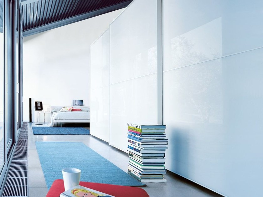 Lacquered wardrobe with sliding doors ONE | Lacquered wardrobe by poliform