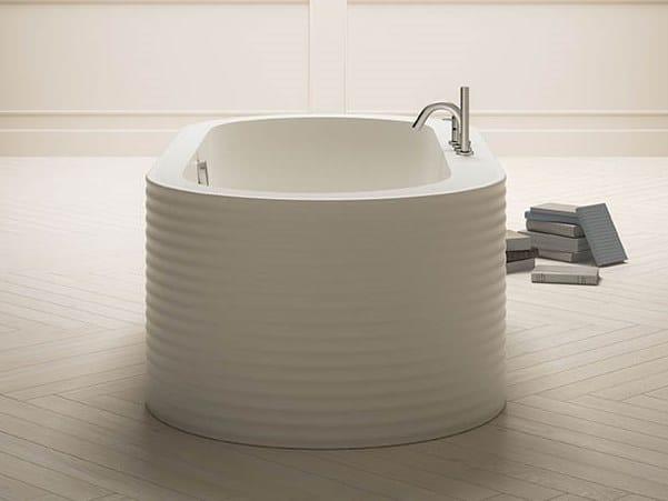 Vasca da bagno centro stanza ovale in Kcryl ONEWEEK by Karol