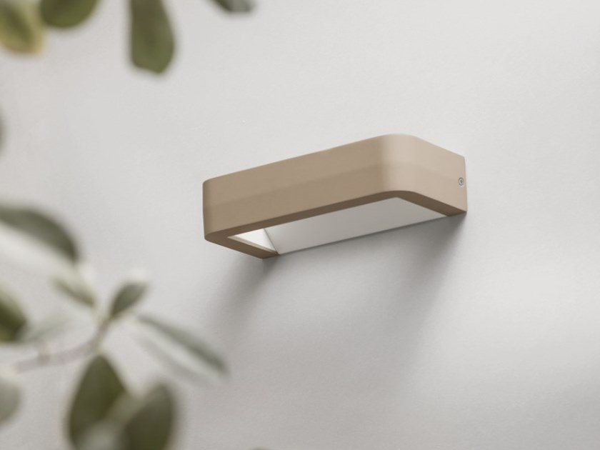 LED aluminium outdoor wall lamp METOO | Outdoor wall lamp by DIOMEDE