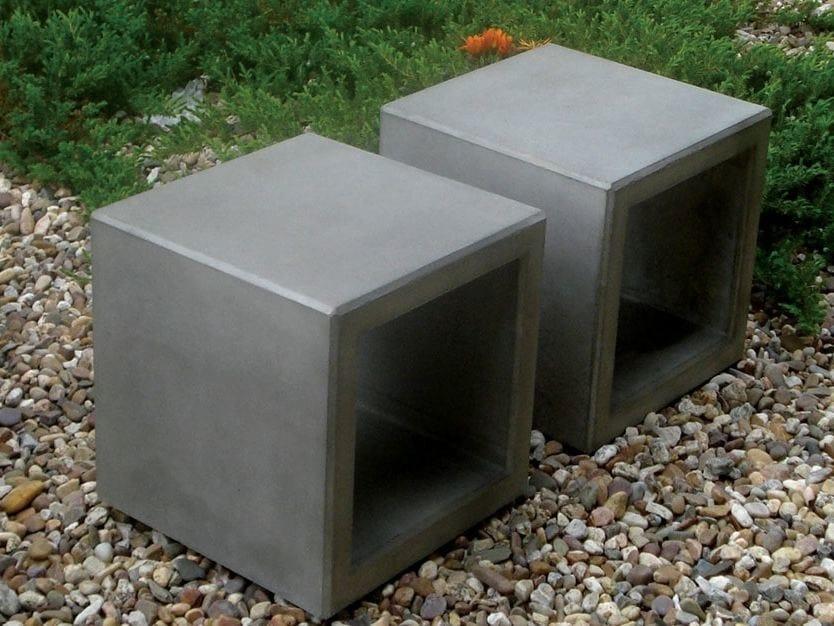 Seduta da esterni in calcestruzzo OUTLINE | Seduta da esterni by SIT