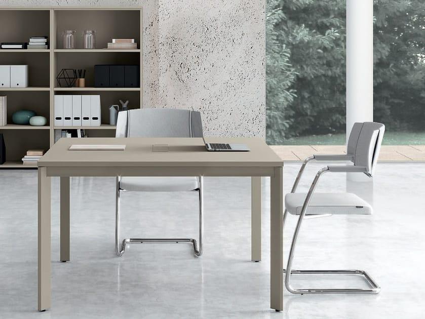 Square meeting table OXI | Square meeting table by Las Mobili