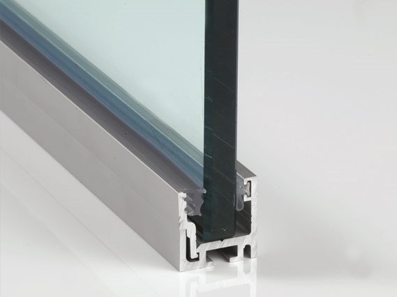 Profiles for fixed panels P-065 by Metalglas Bonomi