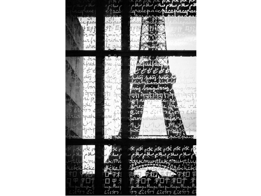 Stampa fotografica PACE E TORRE EIFFEL by Artphotolimited