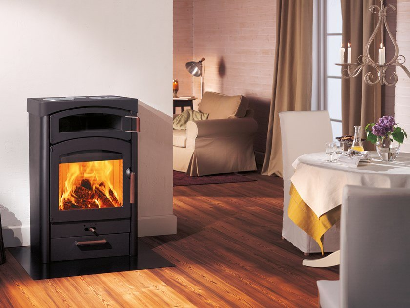 Wood-burning stove with Oven PALLAS BACK by Austroflamm