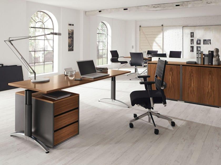 Height-adjustable executive desk PALMEGA | Executive desk by PALMBERG