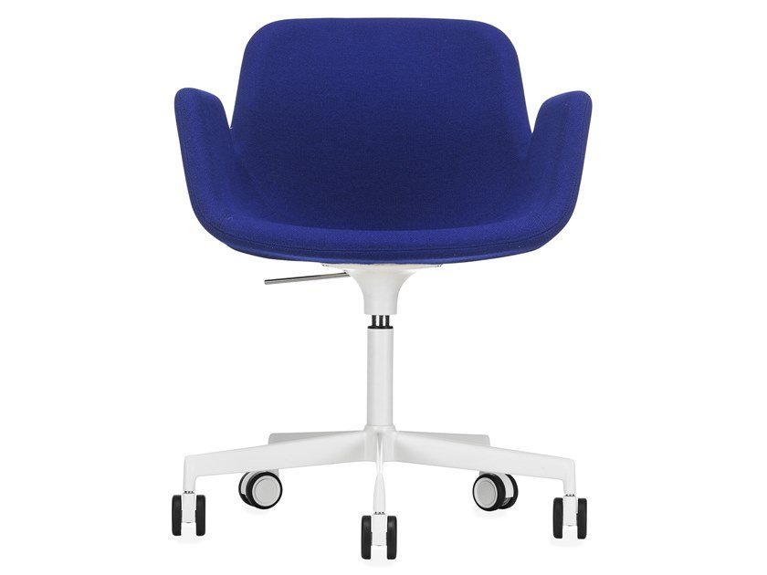 Height-adjustable fabric task chair with 5-Spoke base PASS | Height-adjustable task chair by Lapalma
