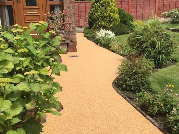 UV stable resin Outdoor continous flooring PATHWAY by SureSet