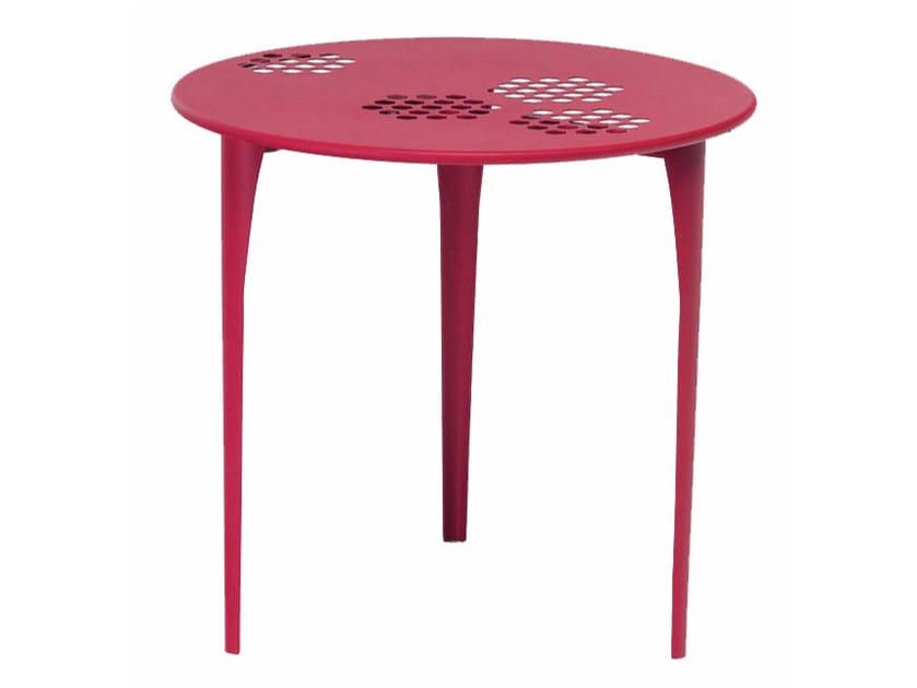 Round steel garden table PATTERN | Round table by emu