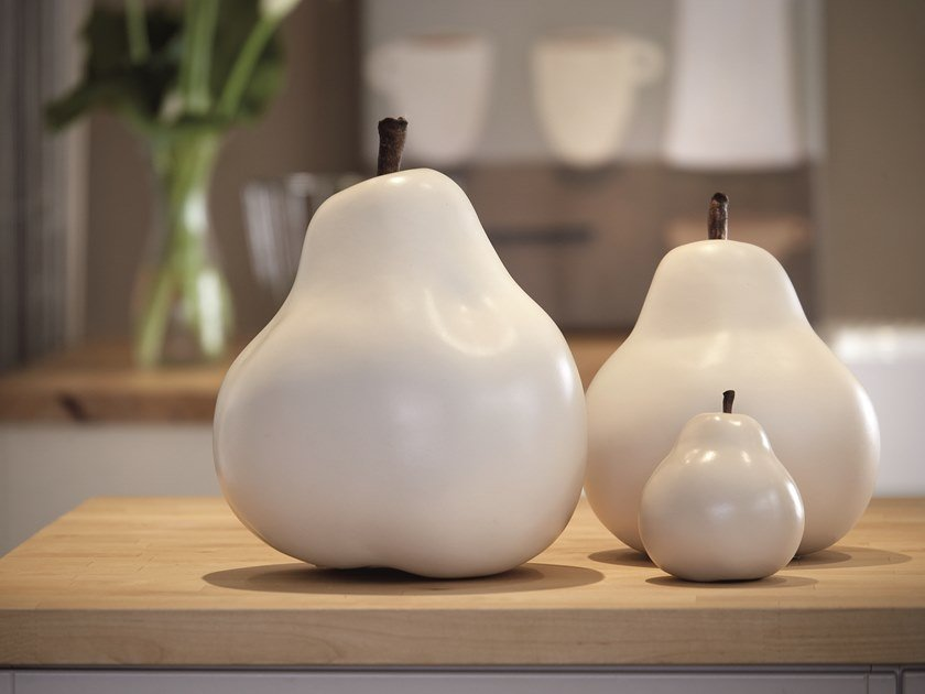 Ceramic sculpture PEAR by Gardeco
