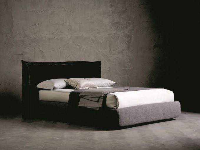 Upholstered double bed PEGASO RING 8 by AltaCorte