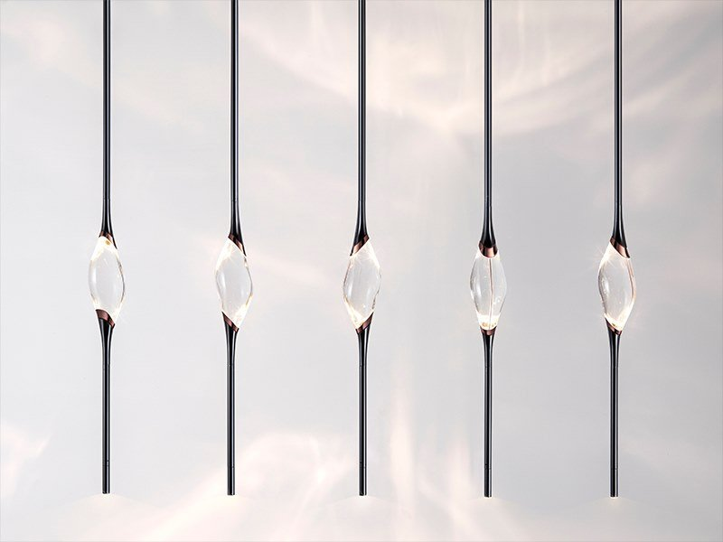 LED crystal pendant lamp IL PEZZO 12 | Long Chandelier by Il Pezzo Mancante