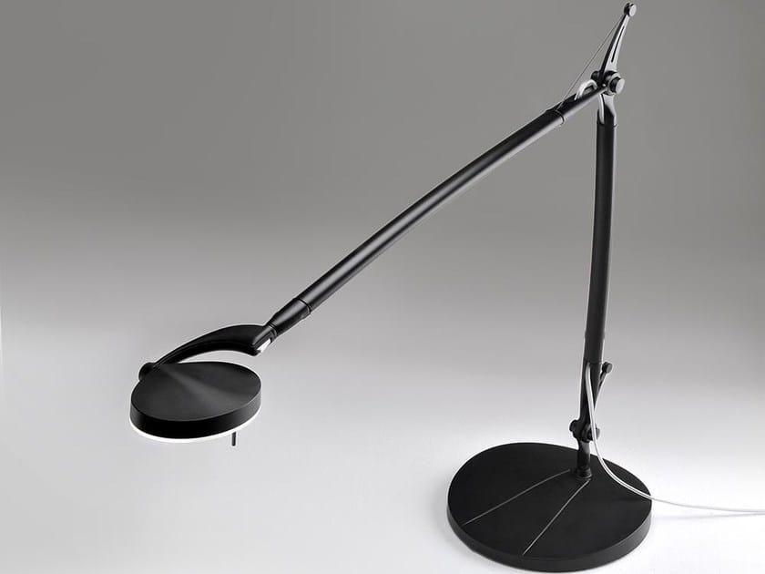 Lampada da scrivania a LED con braccio flessibile PERCEVAL LED 6338 | Lampada da scrivania by Milan Iluminacion