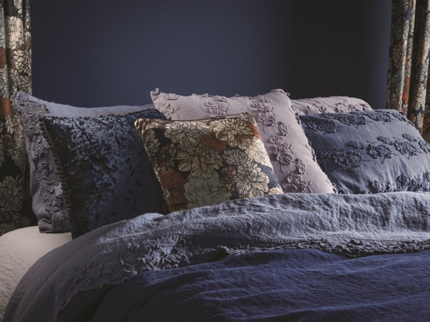 Embroidered linen bed sheet PETALI | Bed sheet by LA FABBRICA DEL LINO