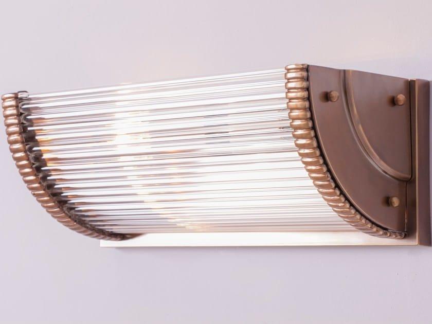 Applique a luce diretta fatta a mano in ottone PETITOT III | Applique by Patinas Lighting