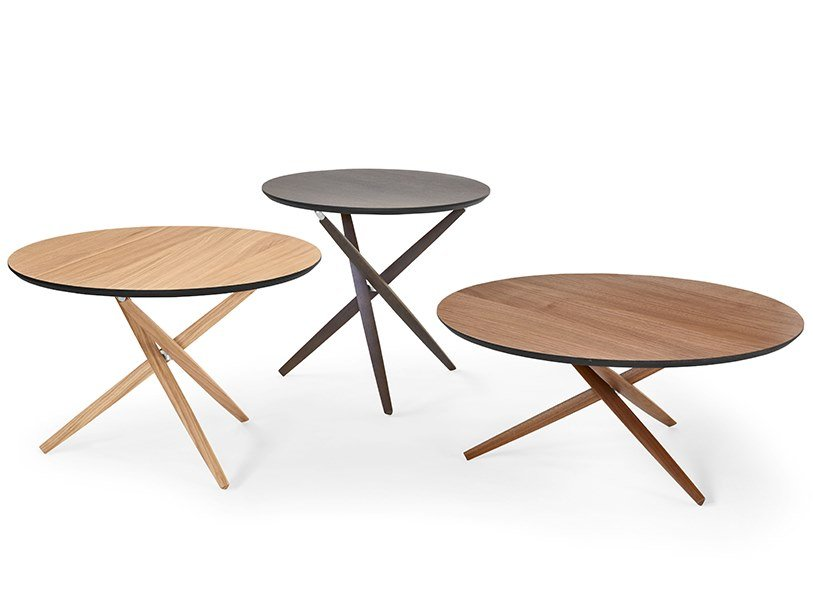 Round wooden coffee table PICO | Wooden coffee table by SCULPTURES JEUX