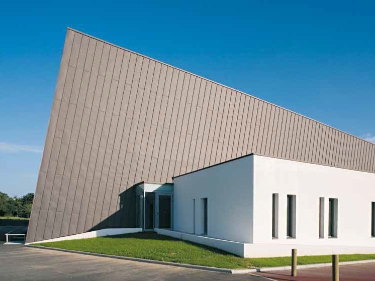 Continuous metal laminate for facade PIGMENTO® by VMZINC