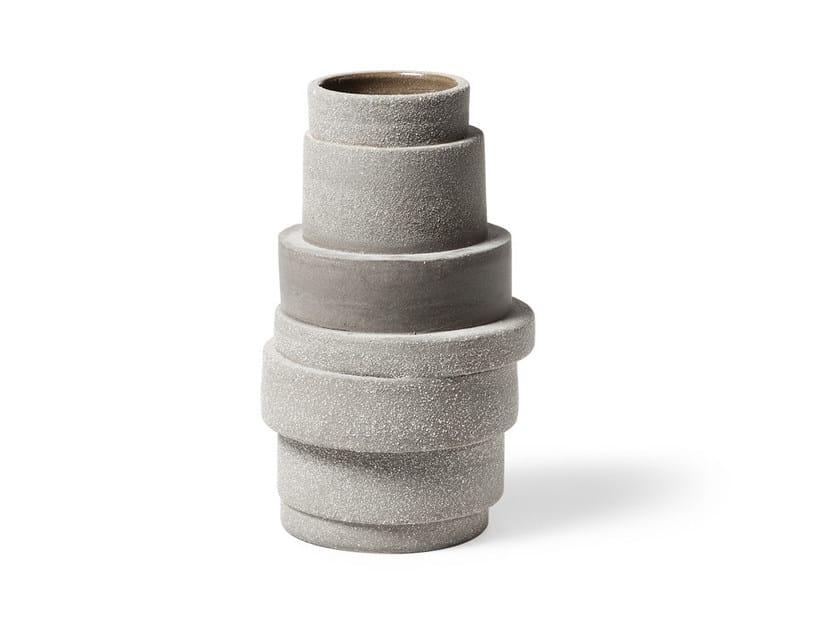 Porcelain stoneware vase PILA by Atipico