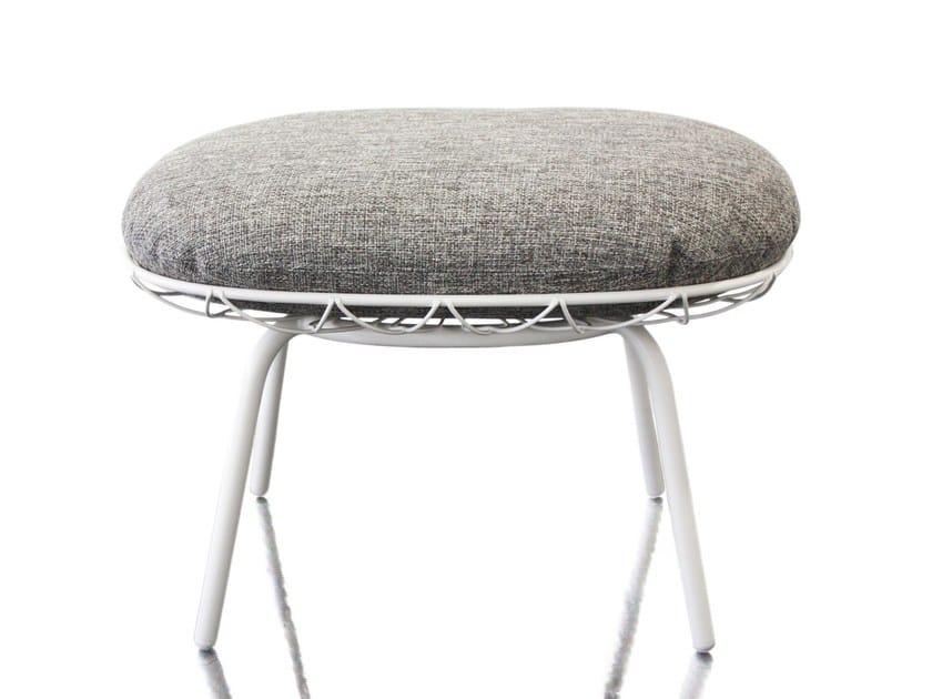 Fabric easy chair PIÑA | Easy chair by Magis