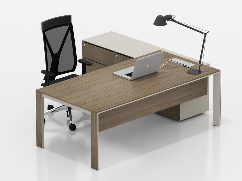 Executive desk with shelves PIU MENO | Executive desk by Tuna Ofis