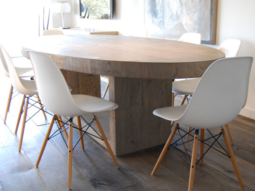 Oval oak dining table PLAISIR By CABUY D.