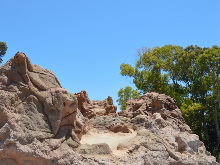 Artificial Rocks PLAM ROCK by Isoplam
