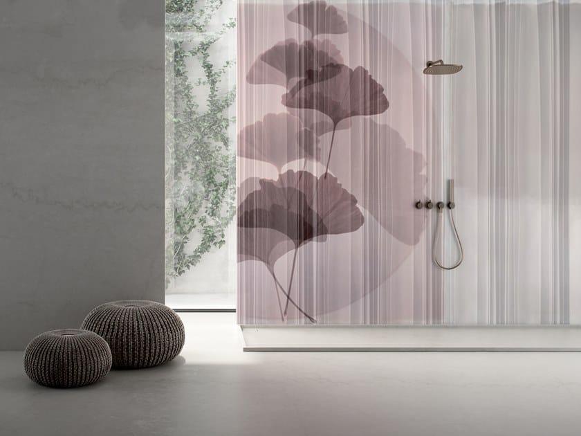 GlamFusion™ wallpaper with floral pattern PLIPLAT by GLAMORA
