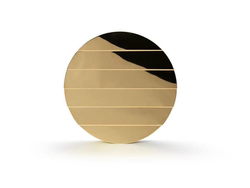 Round wall-mounted mirror PLISSÈ by Atipico