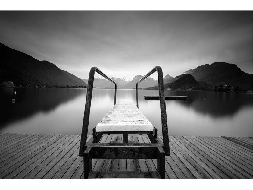 Stampa fotografica DIVING BETWEEN LAKE AND MOUNTAINS by Artphotolimited