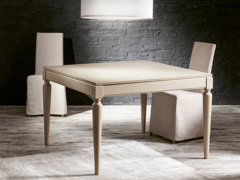 Extending square wood veneer table PLURIMO | Lacquered table by Pacini & Cappellini