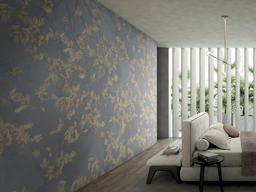 Wallpaper with floral pattern PLUVIAL by GLAMORA