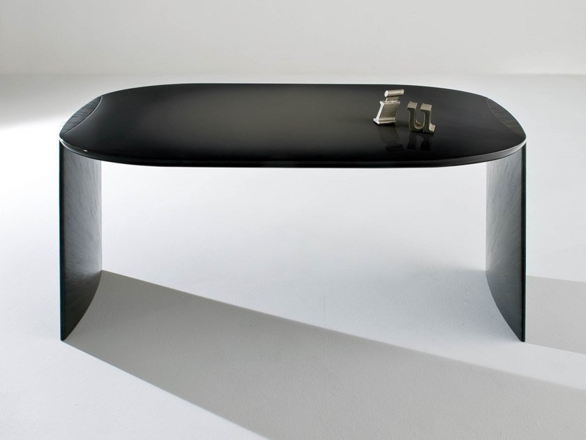Lacquered wooden writing desk POE by Laurameroni