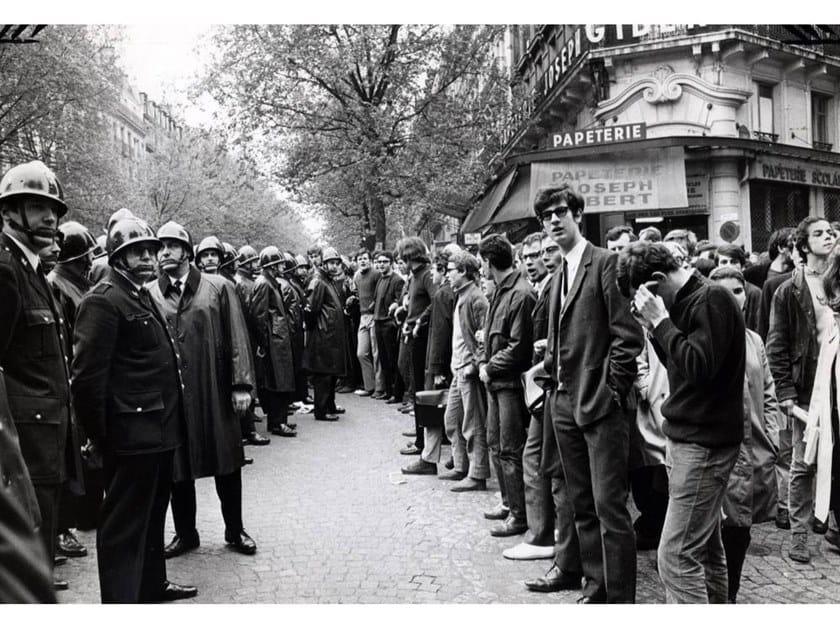 Stampa fotografica POLIZIA E STUDENTI NEL MAGGIO 1968 by Artphotolimited