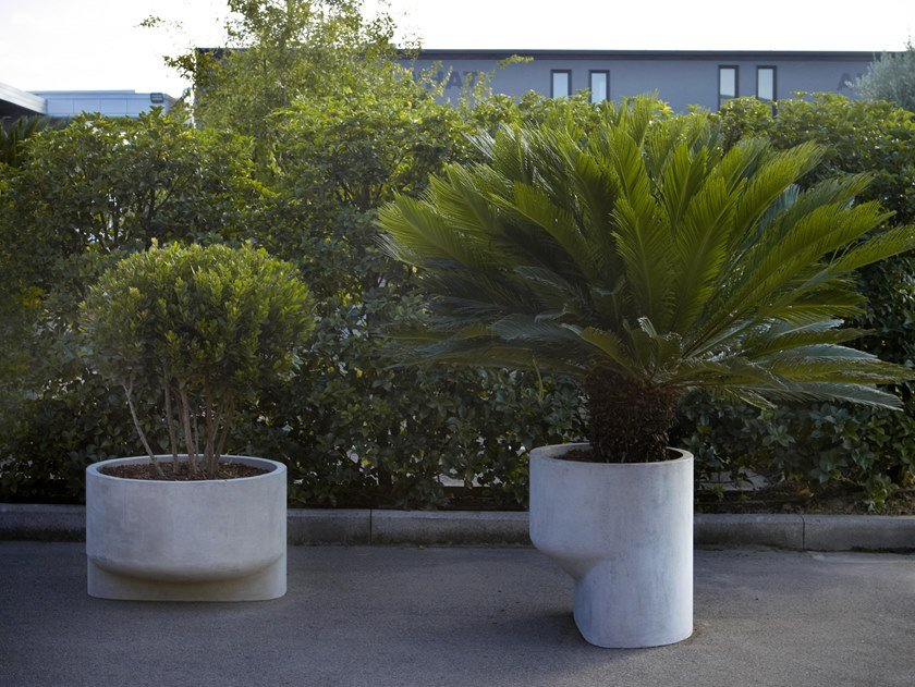 Vaso da giardino in cemento POLIFEMO by Antonio Lupi Design
